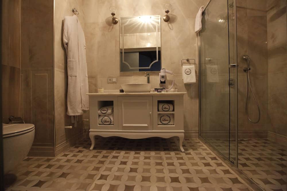 Superior Double Room, Garden View - Bathroom