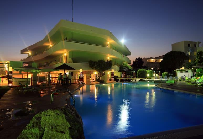 Stamos Hotel, Rodosz, A szálláshely külső területe