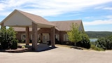 Reserve this hotel in Hollister, Missouri
