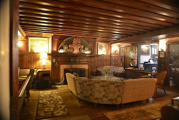 Picture of Tabard Inn in Washington