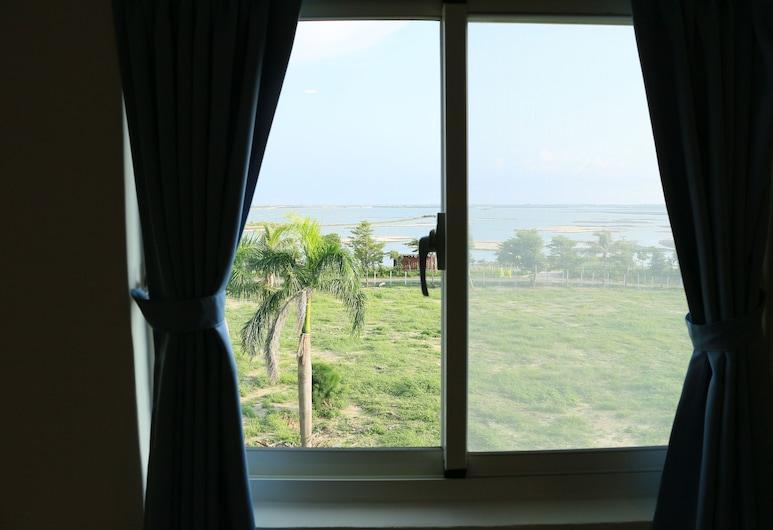 Harmony Guest House, Budajus, Standartinio tipo dvivietis kambarys (2 viengulės lovos), vaizdas į jūrą, Vaizdas iš svečių kambario