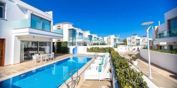 Protaras — zdjęcie hotelu Oceanview Luxury Villa 138