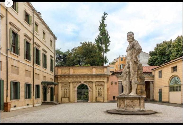 Palazzo Mantua Benavides Suites and Apartments, Padua