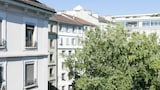 Choose this Apartment in Geneva - Online Room Reservations