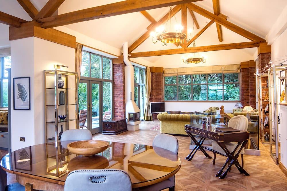 Luxury Villa - Oturma Alanı
