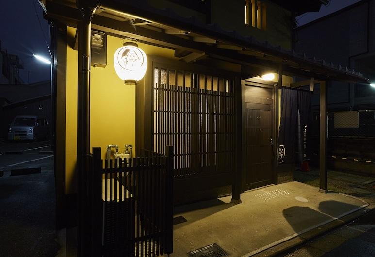 Rinn Kujofujinoki WEST, Kyoto, Property entrance
