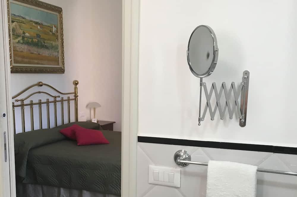 Standardní pokoj s dvojlůžkem, soukromá koupelna - Koupelna