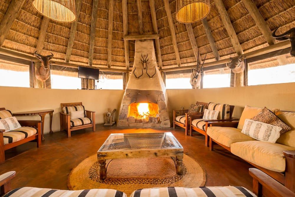 Telts, viena guļamistaba (Luxury Safari Style Tent) - Dzīvojamā zona