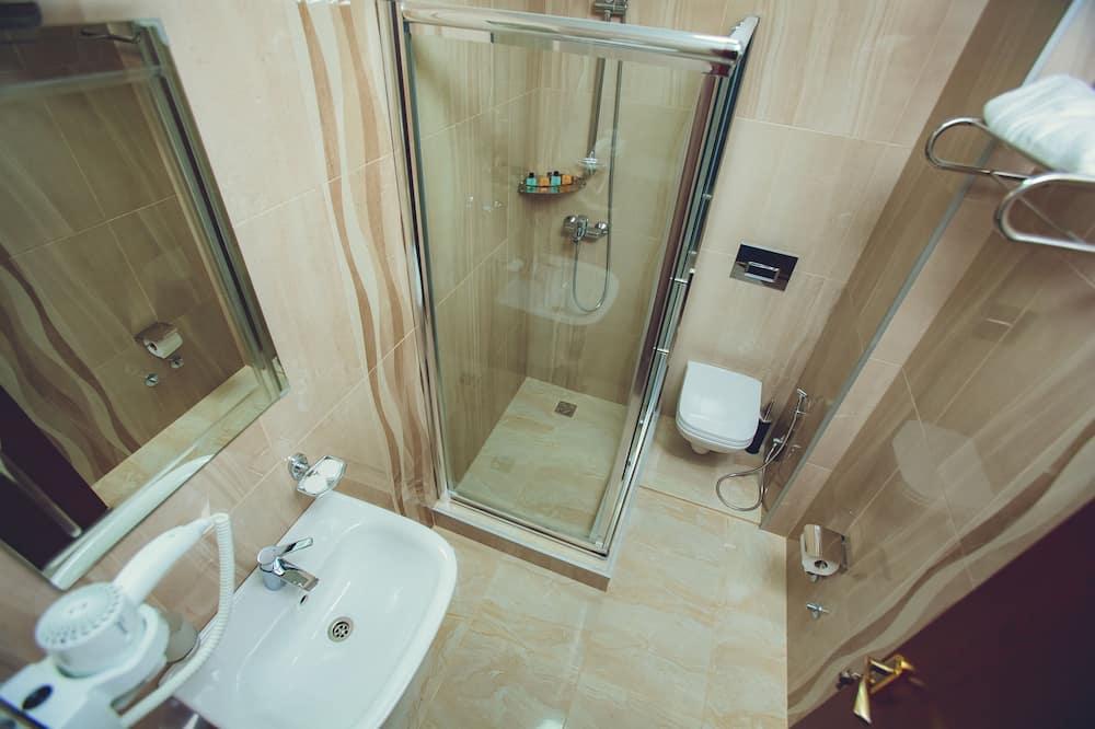 Camera con letto matrimoniale o 2 letti singoli, balcone - Bagno