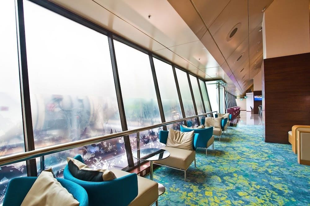 5hrs Lounge Use (Seated Sofa Chairs) and 30min Massage - Living Area