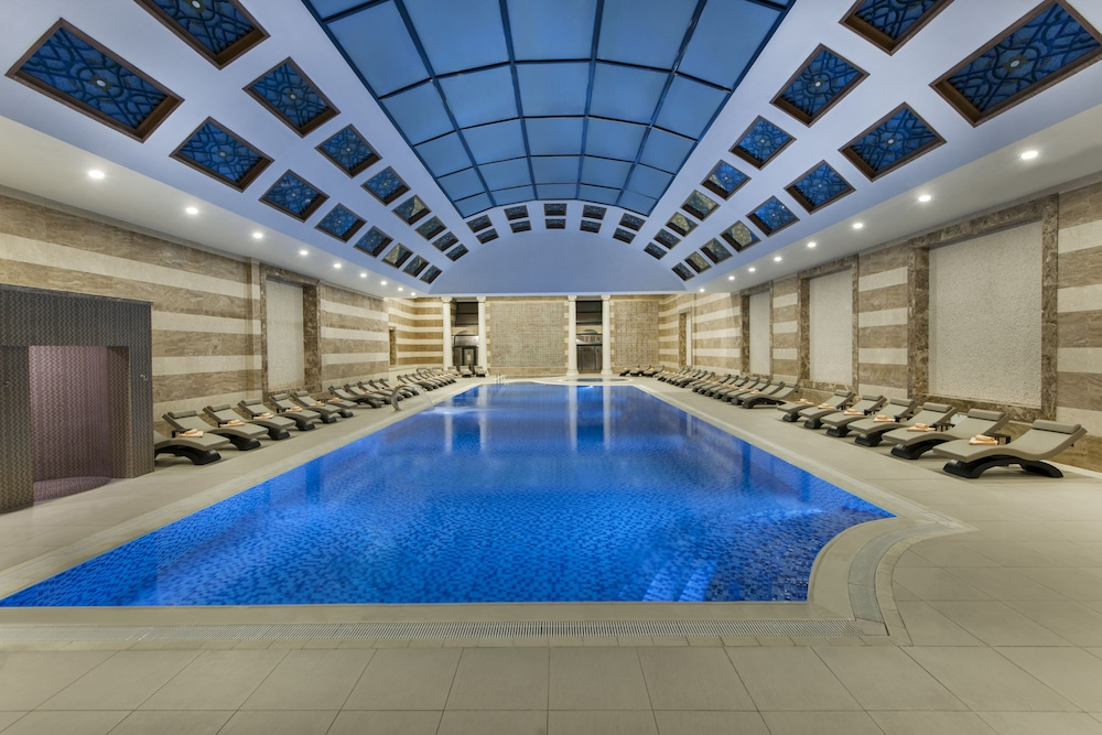 Akrones Thermal Spa Convention Hotel Afyonkarahisar Pool