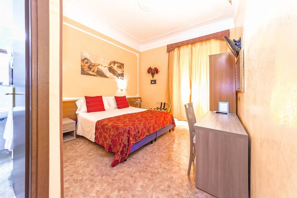 Book Soggiorno Downtown in Rome | Hotels.com