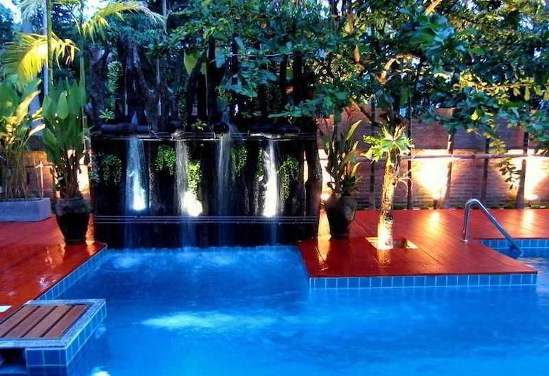 De Wiangkumkam Hotel, Chiang Mai, Kolam Renang