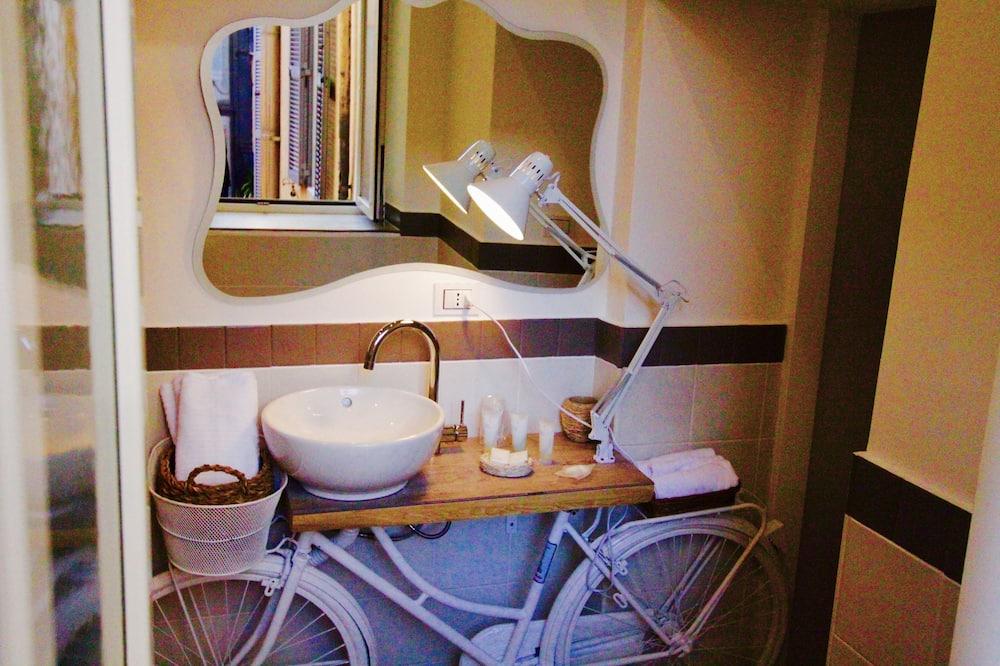 Comfort Double Room, Terrace - Bathroom