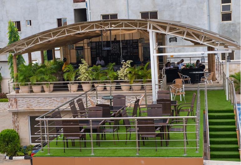 Grand Cubana Hotels, Abuja, Terrace/Patio