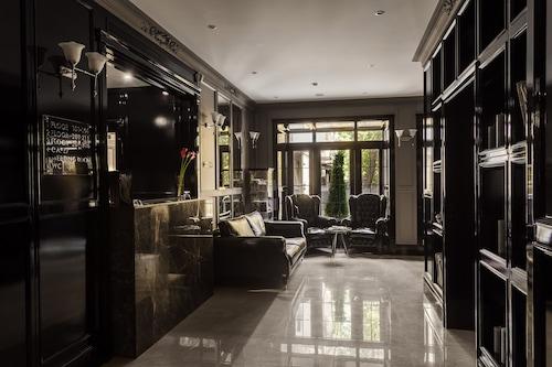 瓦爾街酒店/