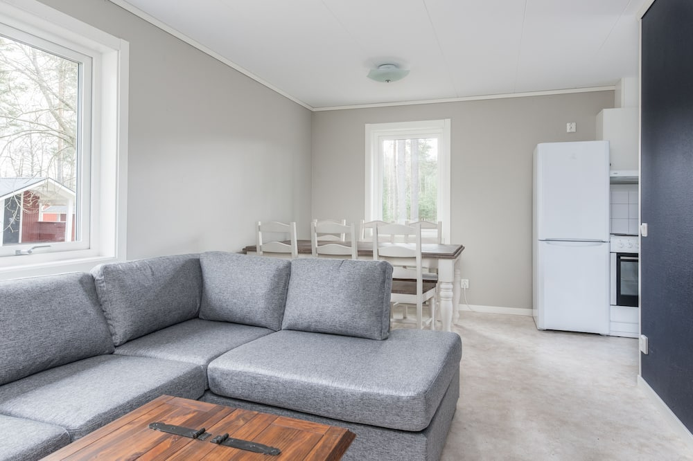 Cottage, 2 Bedrooms (6 beds) - Living Area