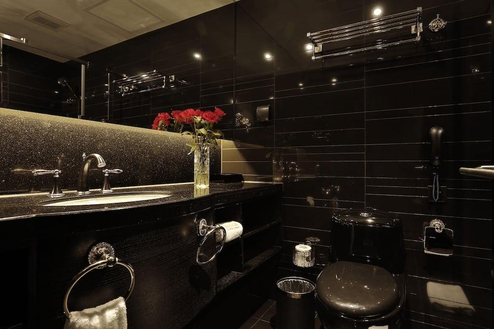 Design Room (Moulin Rouge) - Bathroom