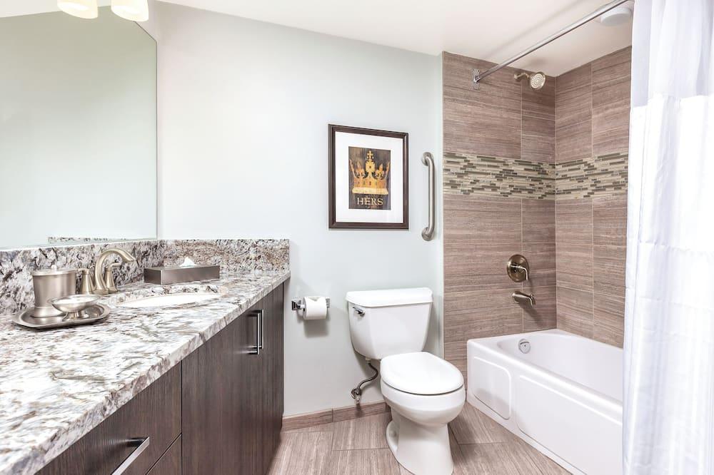 Deluxe-lejlighed - 2 soveværelser - køkken - Badeværelse