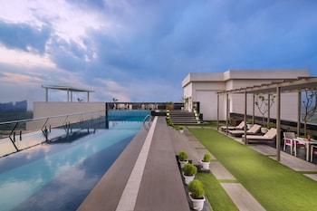 ภาพ Sandal Suites Op. by Lemon Tree Hotels ใน Noida