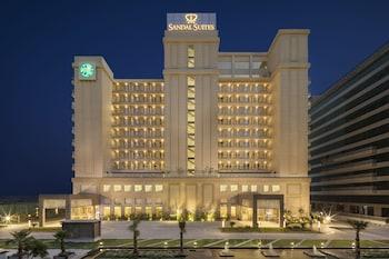 Bild vom Sandal Suites Op. by Lemon Tree Hotels in Noida