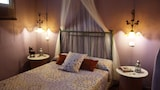 Reserve this hotel in Nogueras, Spain