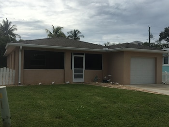 Picture of Hercules Weekly Vacation Rental in Fort Myers Beach