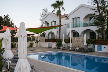 Picture of Caprice Spa Resort in Neo Chorio