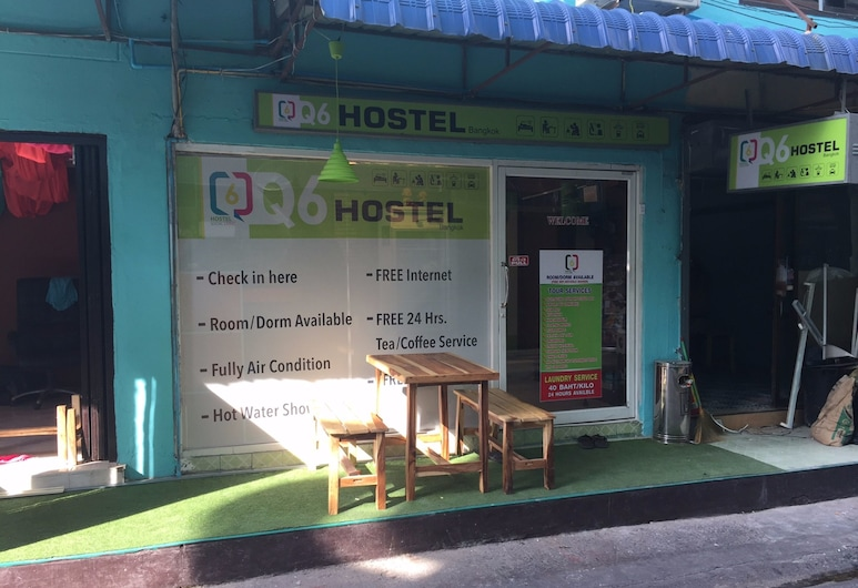 Q6 At 6 - Hostel, Bangkok