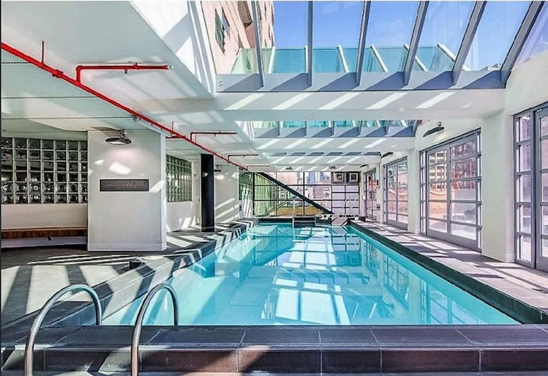 Anchor On Paramount, Melbourne, Pool