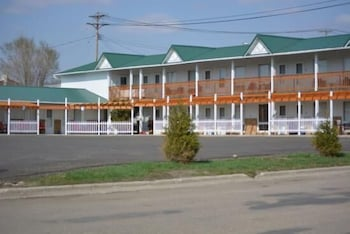 Choose This Cheap Hotel in Jamestown