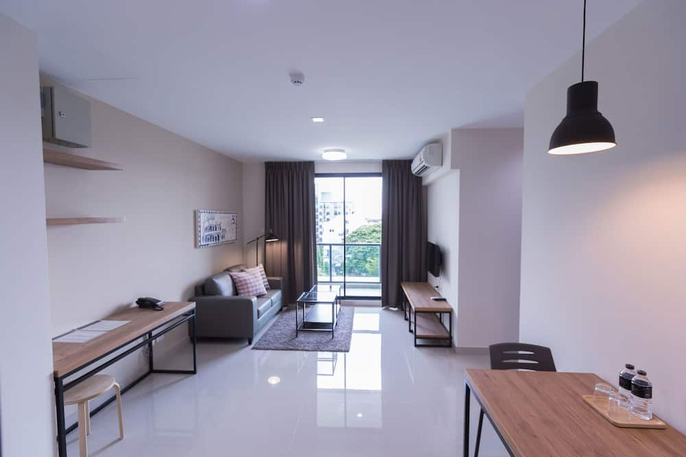 Extra Family Suite - Living Room