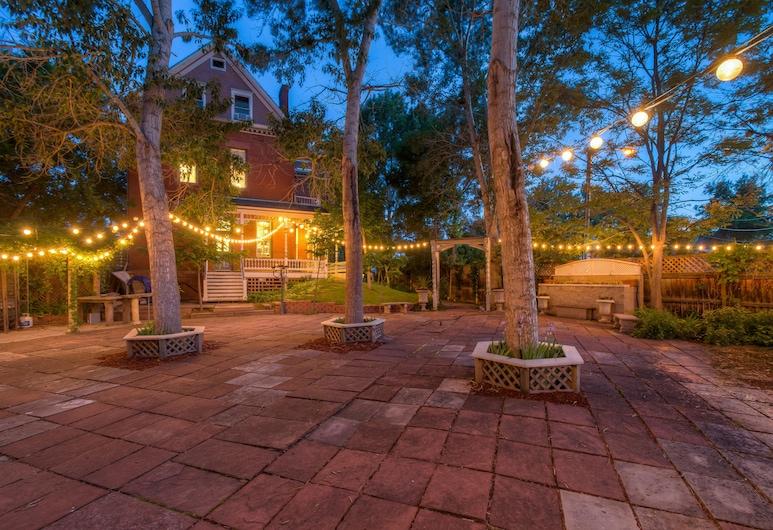 路姆貝爾男爵旅館, 丹佛, 花園