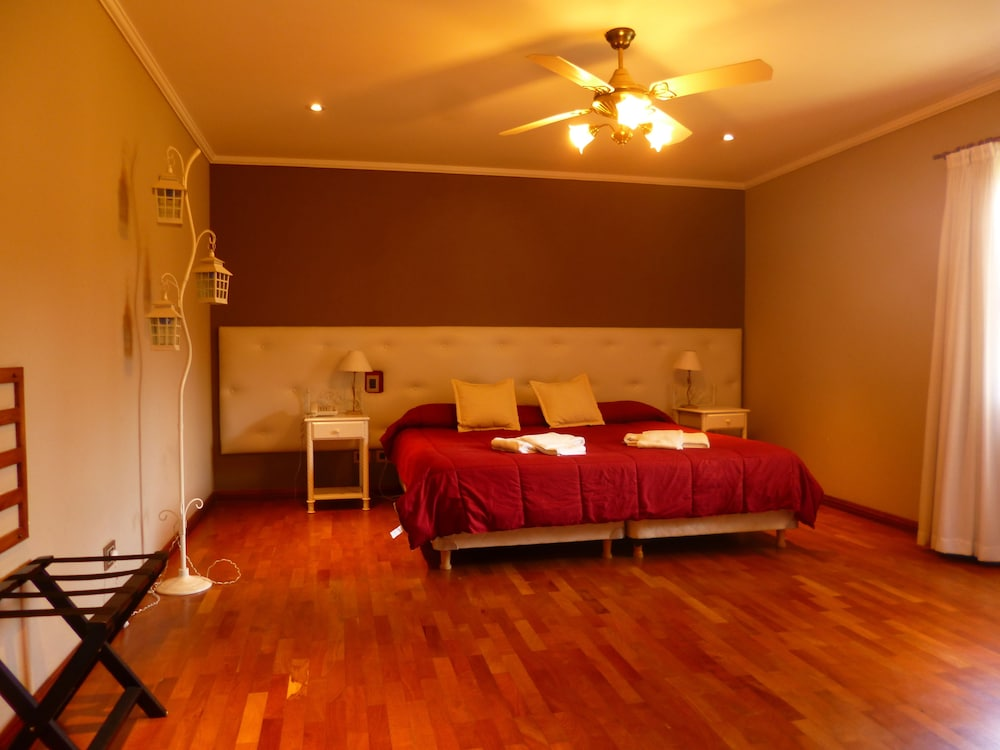 Hotel Garden House in Rio Cuarto - Book on Hotels.com