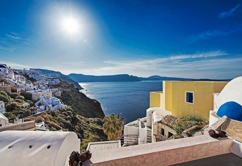 The Dream, Thira