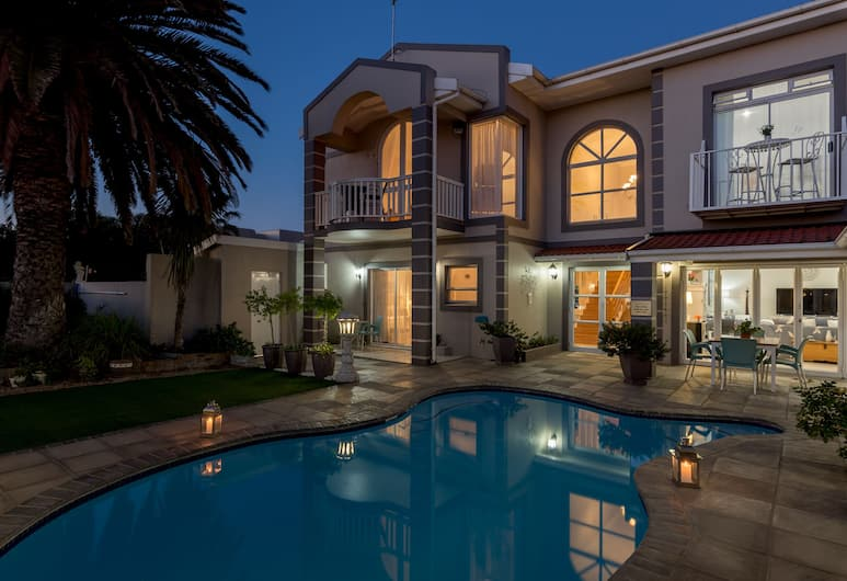 Atlantic Beach Villa, Cape Town, Outdoor Pool