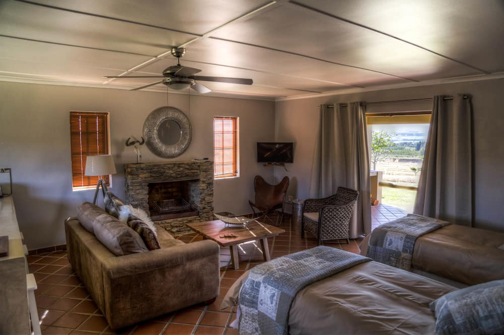 Comfort Cottage, 1 Bedroom (Self-Catering Cottage) - Living Area