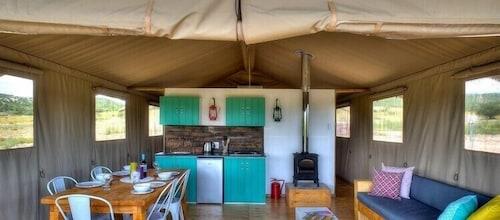 AfriCamps at Pat Busch Mountain Reserve, Robertson