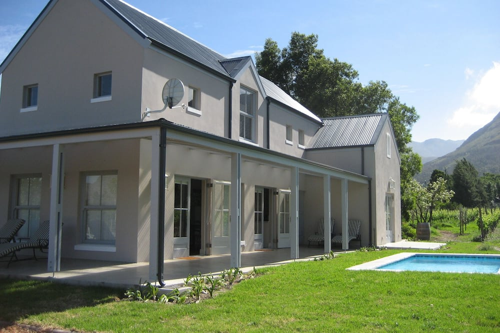Family Cottage, 2 Bedrooms (The Vineyard) - Private pool