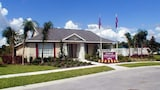 Choose this Villa in Clermont - Online Room Reservations