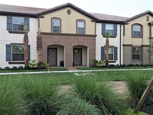 Majorca 5 Bedroom Villa by Dream Orlando Vacation Rentals  Kissimmee. Book Majorca 5 Bedroom Villa by Dream Orlando Vacation Rentals in