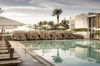 Enter your dates for our Miami Beach last minute prices