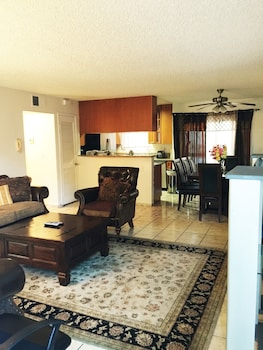 Picture of Fully Furnished Apartment in Glendale in Glendale