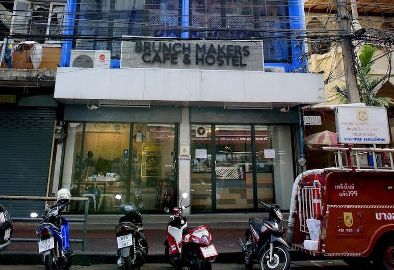 OYO 早午餐創客咖啡廳及青年旅舍, 曼谷, 酒店正面