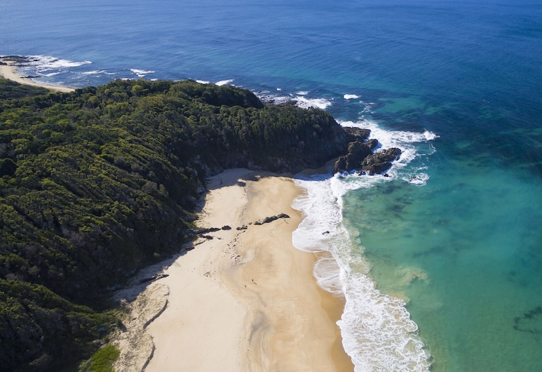 Beachfront Hallidays Point, Red Head