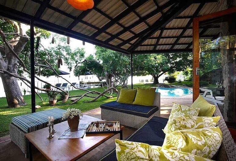 Madzi Kuwala, Mangochi, Family House, Terrace/Patio