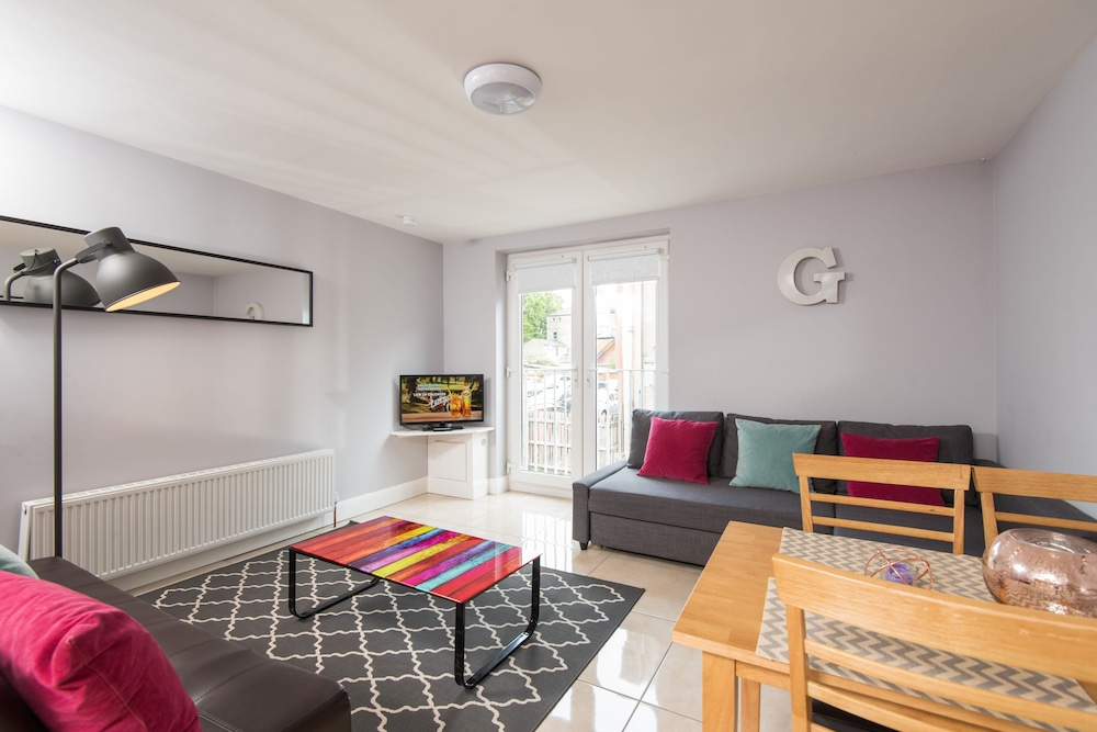 Giant Serviced Apartments, Belfast