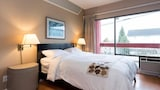 Reserve this hotel in New Westminster, British Columbia