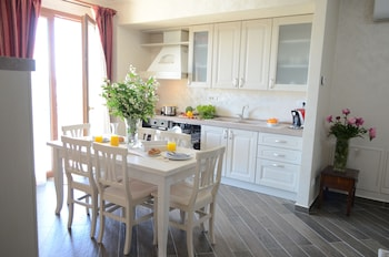 Picture of Aparthotel Luxury Ovidiu Mamaia in Constanta