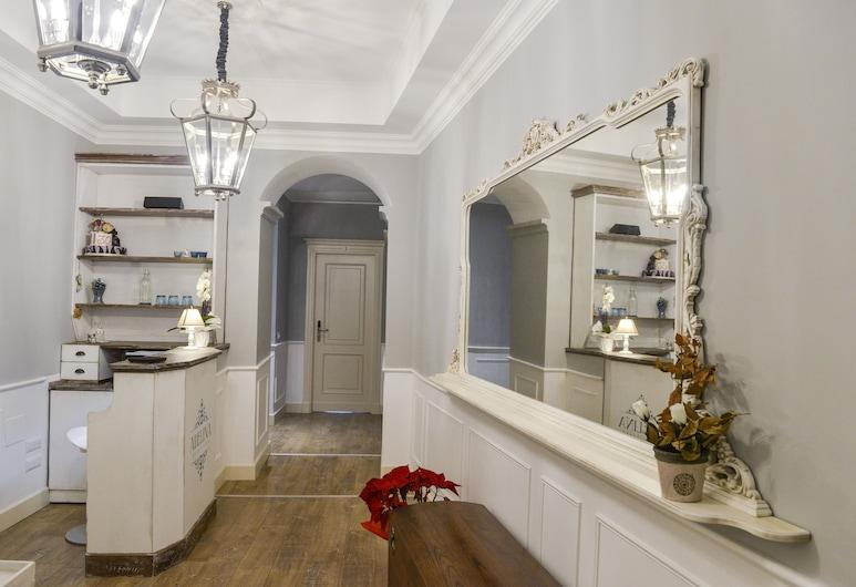 Adelina Guesthouse, Rome, Interior Entrance